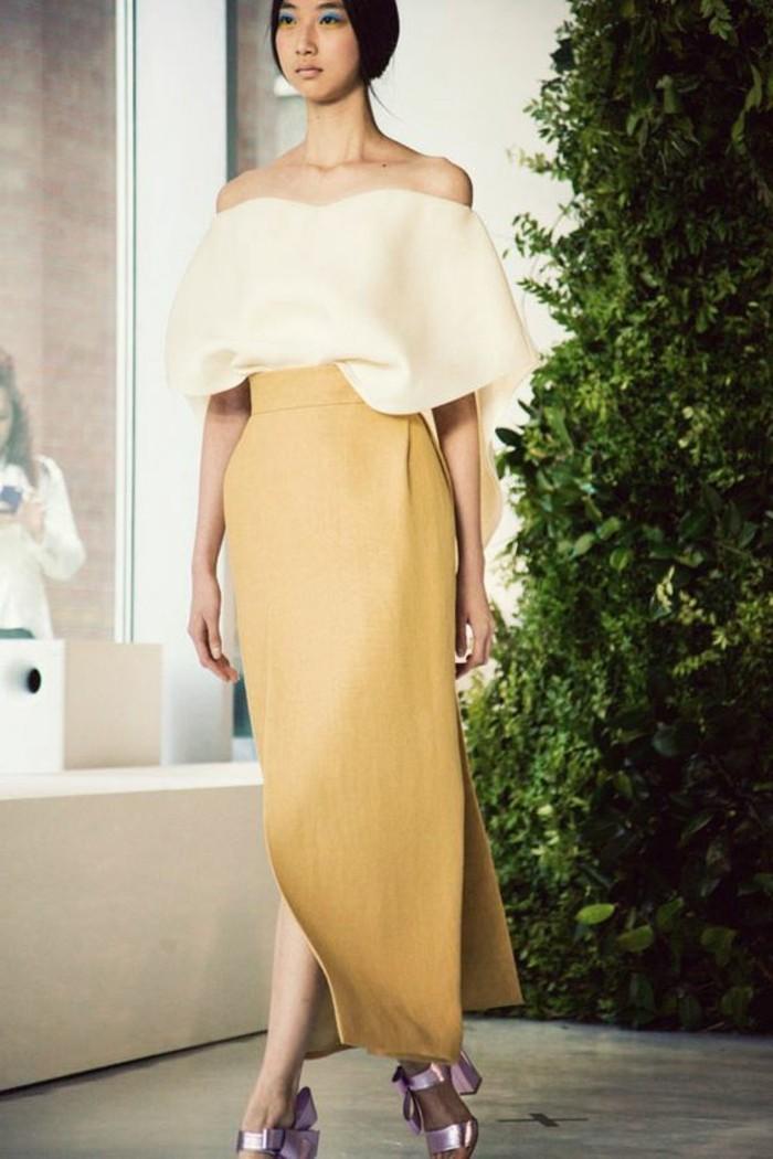 jupe-longue-jaune-et-top-beige-robe-de-soiree-pour-mariage-nos-idées-robe-invitée-mariage