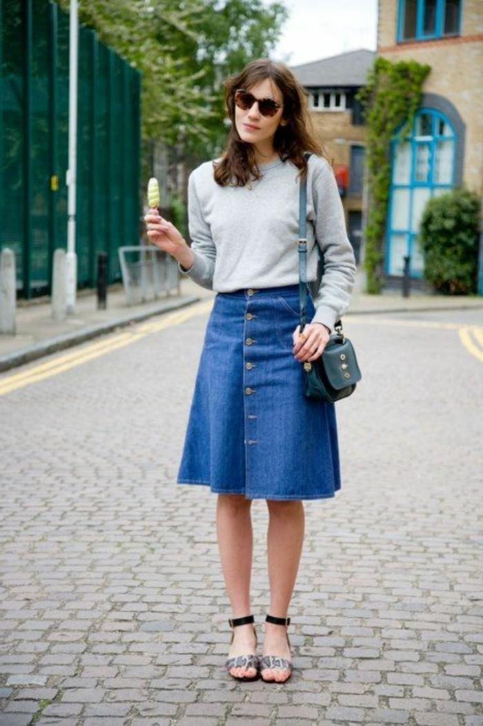jupe-trapeze-en-jean-les-meilleures-jupes-longues-en-denim-bleu-tendances-de-la-mode