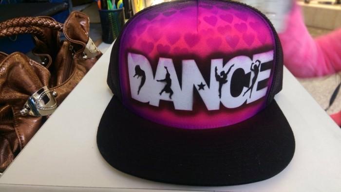 la-creation-casquette-personnaliser-casquette-voir-danseur