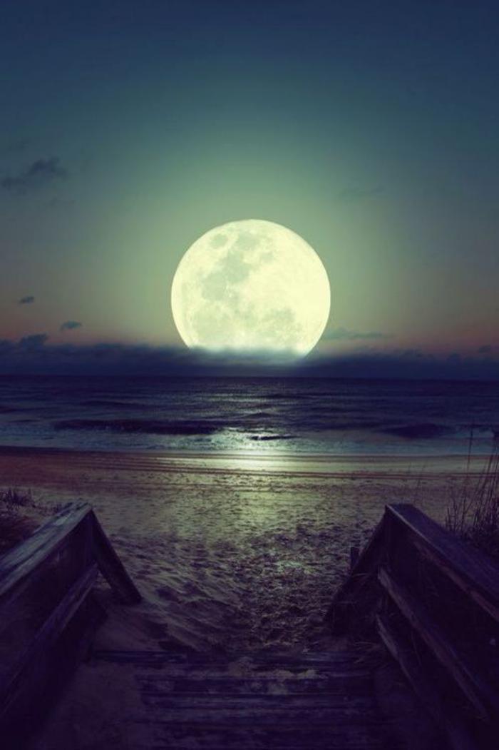 Pourquoi la pleine lune est si inspirante 40 jolies photographies du disque lunaire - Heure de lever et coucher de la lune ...