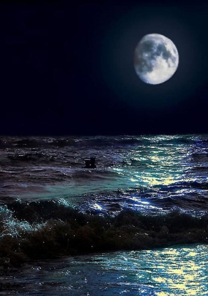 la-pleine-lune-photo-pleine-lune-et-mer-agitée