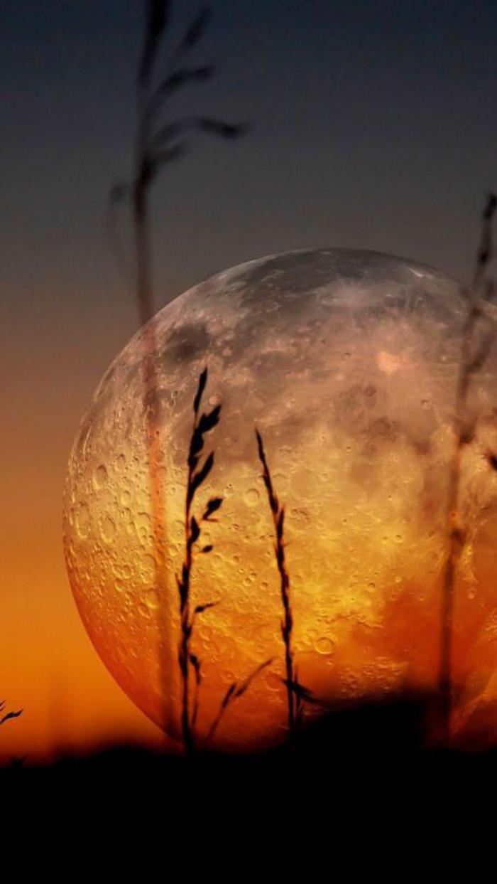 la-pleine-lune-photographie-de-la-lune-impressionnante