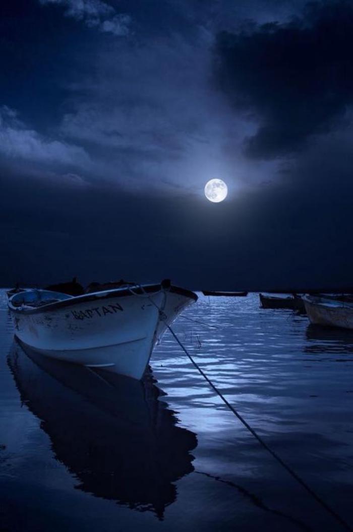 la-pleine-lune-photographie-pleine-lune-au-dessus-de-la-mer