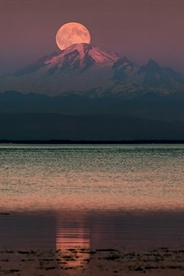 la-pleine-lune-photographie-pleine-lune-lac-et-montagne