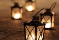 La lanterne bougie – un objet déco classique en 45 photos