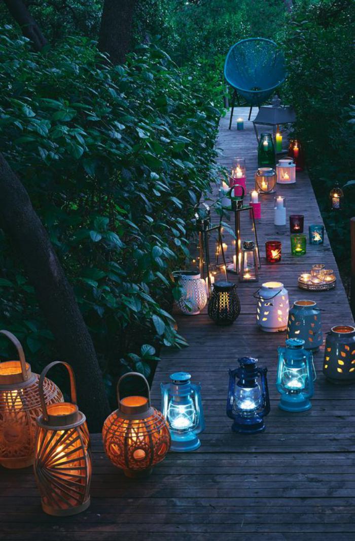 lanterne-bougie-allée-de-jardin-décorée-de-lanternes
