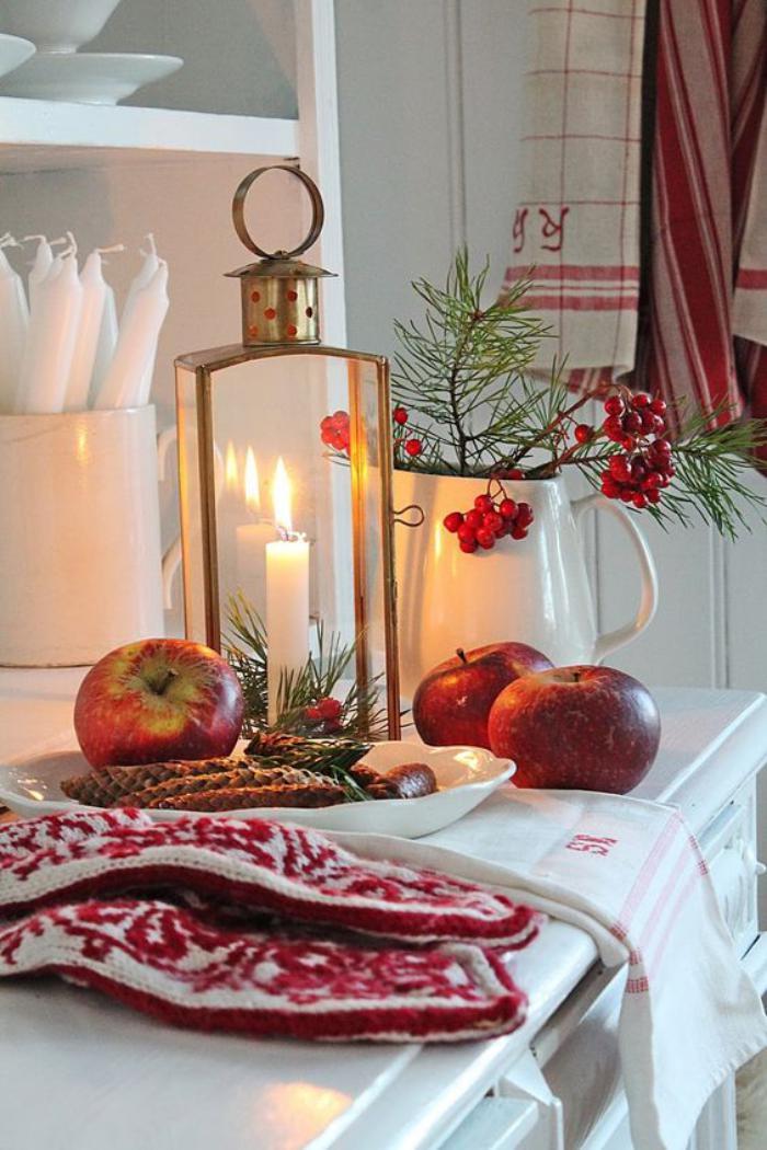 lanterne-bougie-dans-une-cuisine-blanche