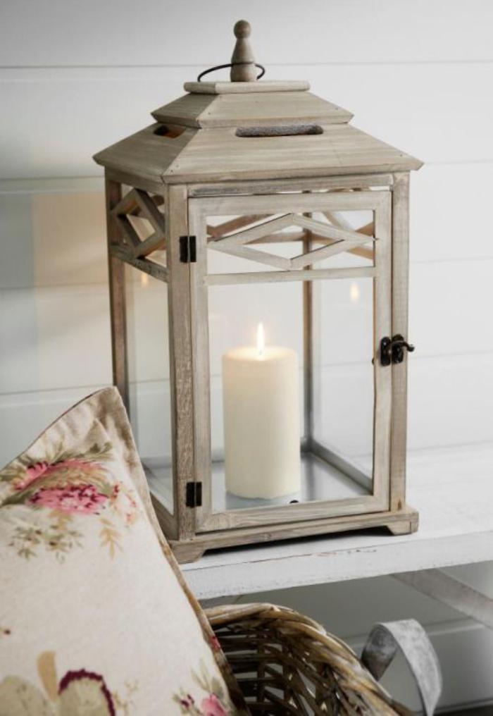 La lanterne bougie un objet d co classique en 45 photos for Lanterne a poser exterieur