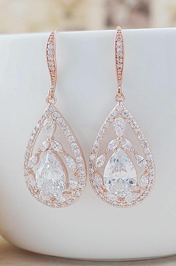 les-bijoux-de-marie-bijoux-pour-mariee-oreiller-trop-cool