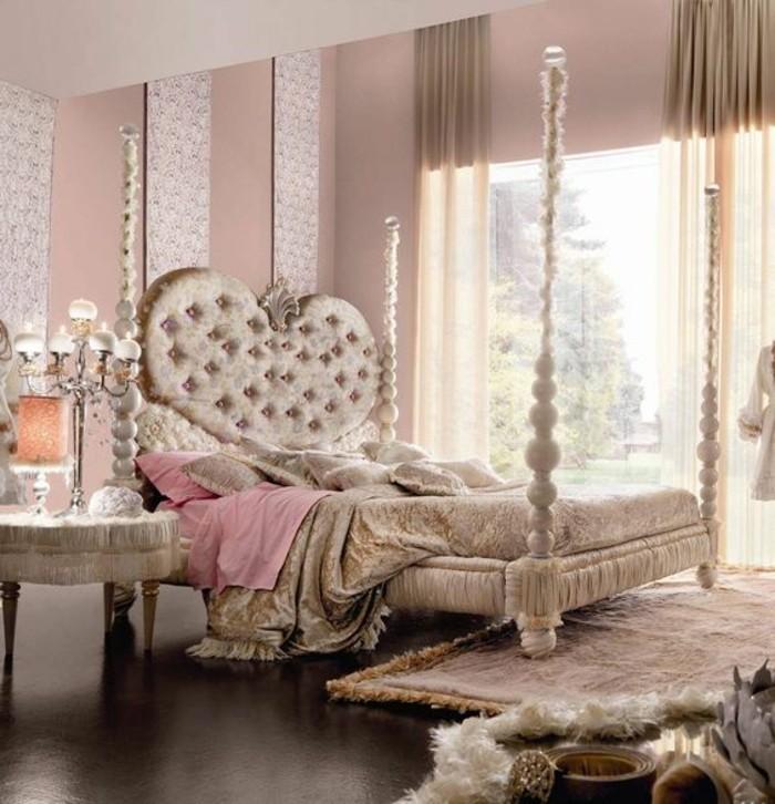 lit-de-luxe-design-lit-baroque-de-luxe-tete-de-lit-capitonné-tapis-beige-murs-rose-pale