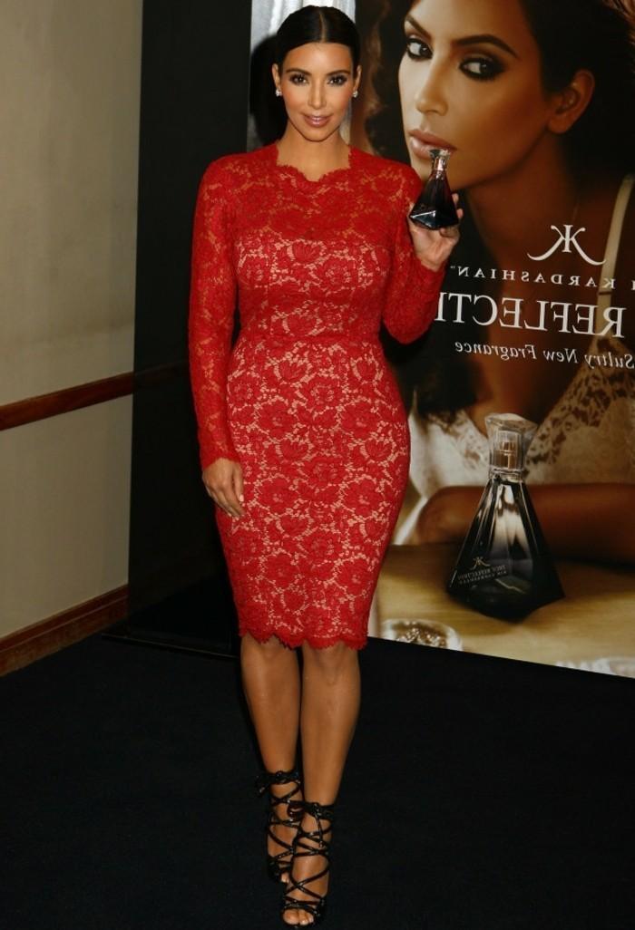 magnifique-robe-noire-et-dentelle-kim-sexy-rouge-robe