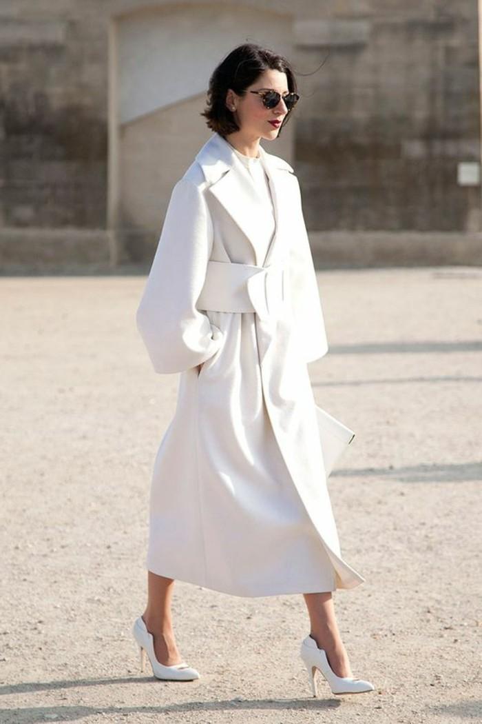 manteau-long-femme-beige-s-habiller-en-fonction-de-sa-morphologie-tendances-de-la-mode