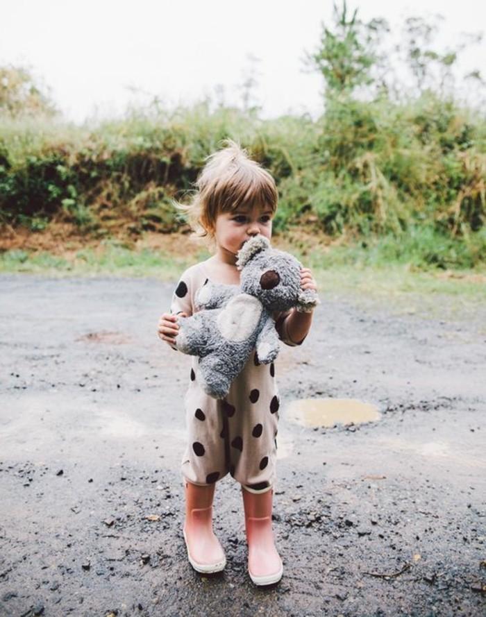 mignonne-femelle-koala-image-jolie-et-enfant