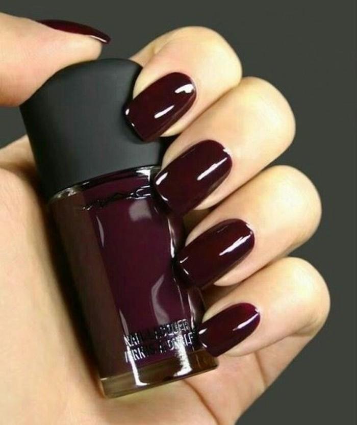 modele-ongle-gel-rouge-foncé-comment-décorer-vos-ongles-tendances-mode