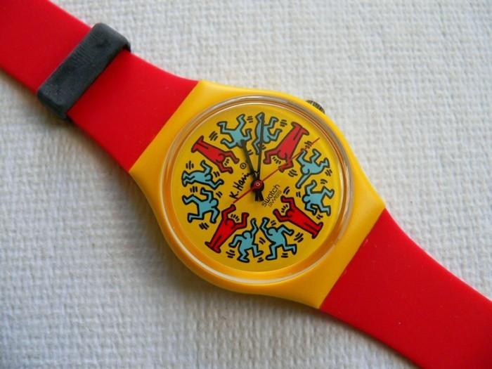 montre-swatch-aux-personnages-multicolores-resized