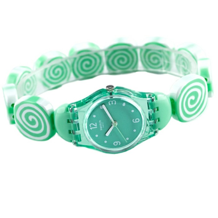 montre-swatch-bracelet-bonbons-verts-resized