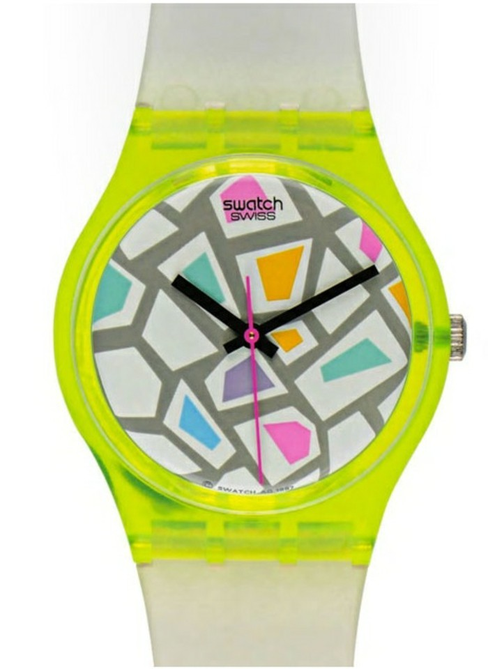 montre-swatch-elements-graphiques-multicolores-resized