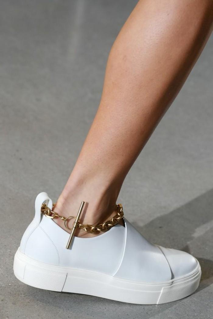 ootd-sandales-blanche-femme-tenue-de-jour-des-baskets