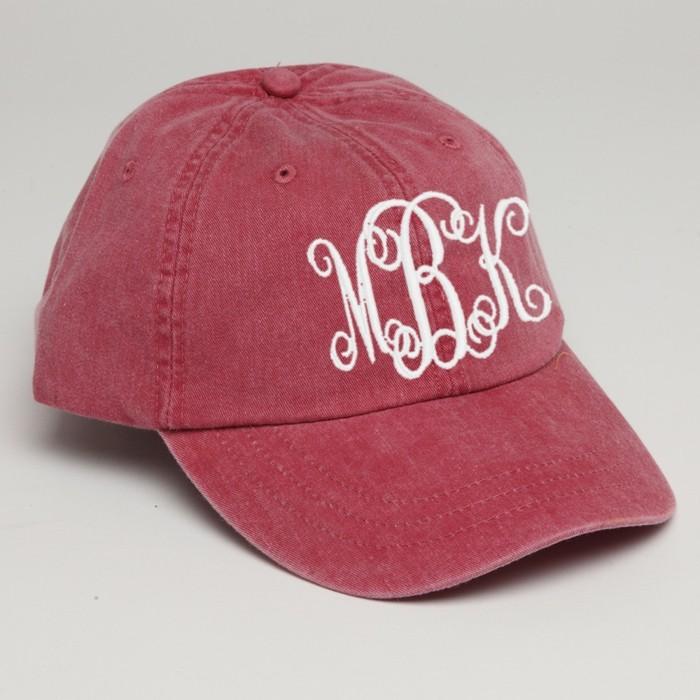 or-de-rose-initiales-ootd-idée-avec-casquette-snapback-personnalisée