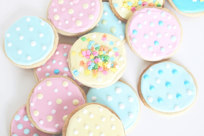 pate-a-biscuit-biscuits-secs-merveilleuse-déco-roses