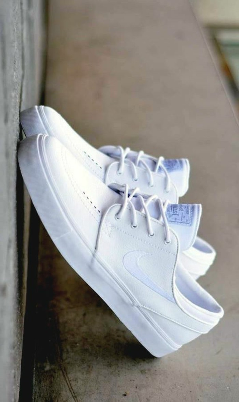 photo-chaussure-femme-blanc-tenue-chic-cool