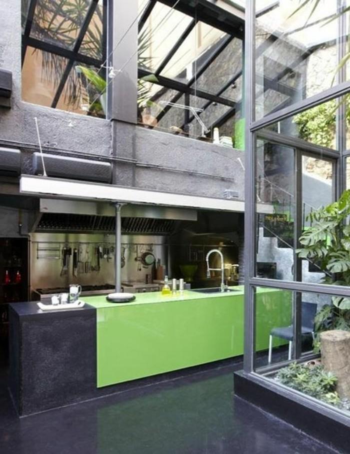 plafond-en-verre-sol-noir-cuisine-moderne-meubles-de-cuisine-verriere-interieur-pas-cher