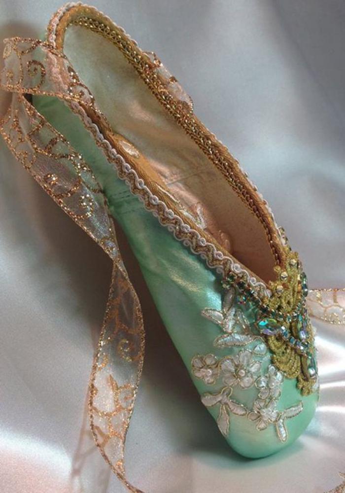pointes-de-danse-classique-chaussures-de-spectacle