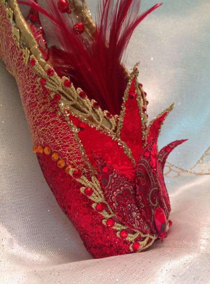 pointes-de-danse-classique-chaussures-scéniques-rouges