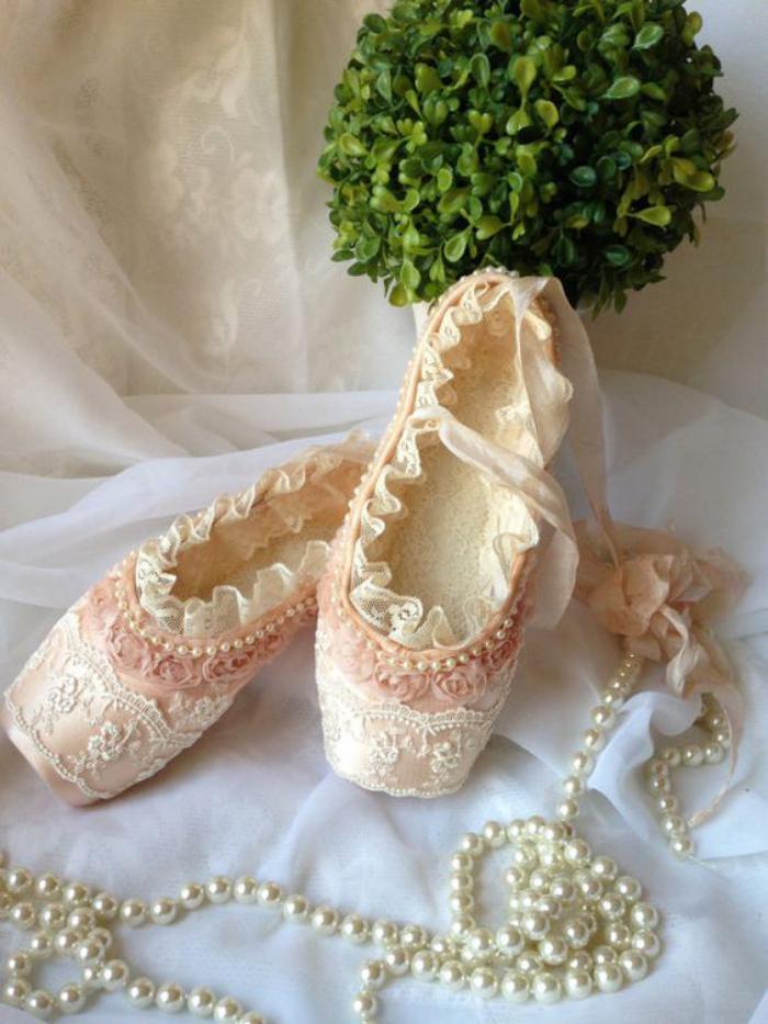pointes-de-danse-classique-couleur-rose-poudré