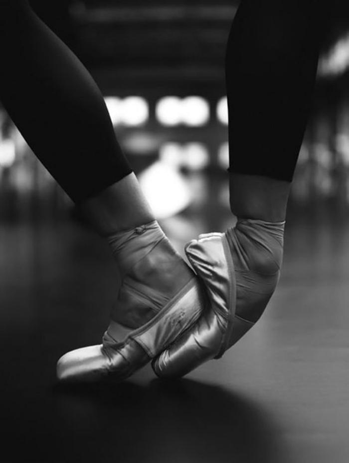 pointes-de-danse-classique-merveilleuse-technique-de-ballerine