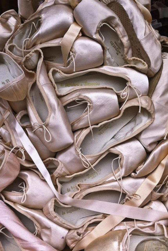 pointes-de-danse-classique-paires-de-pointes-roses