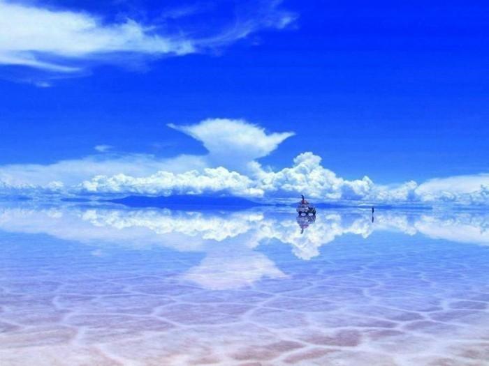 refleter-le-Salar-de-Uyuni-Bolivia-choses-à-faire-avant-de-mourir