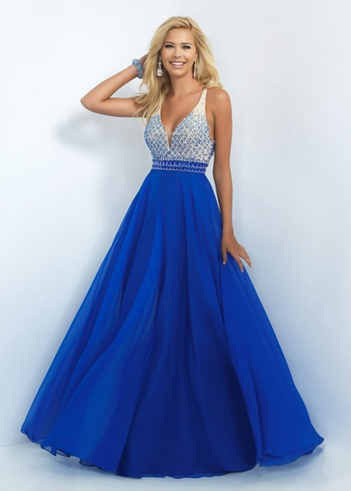 robe-de-soirée-longue-en-blanc-et-bleu-lac-resized