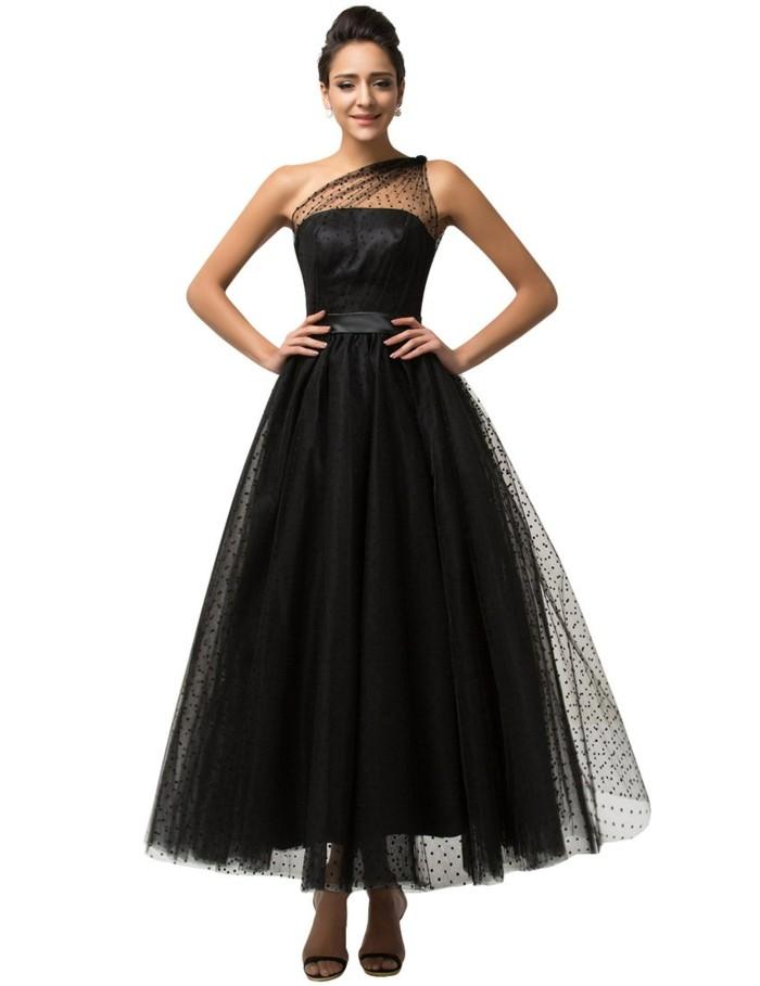 robe-de-soirée-longue-en-tulle-noir-resized