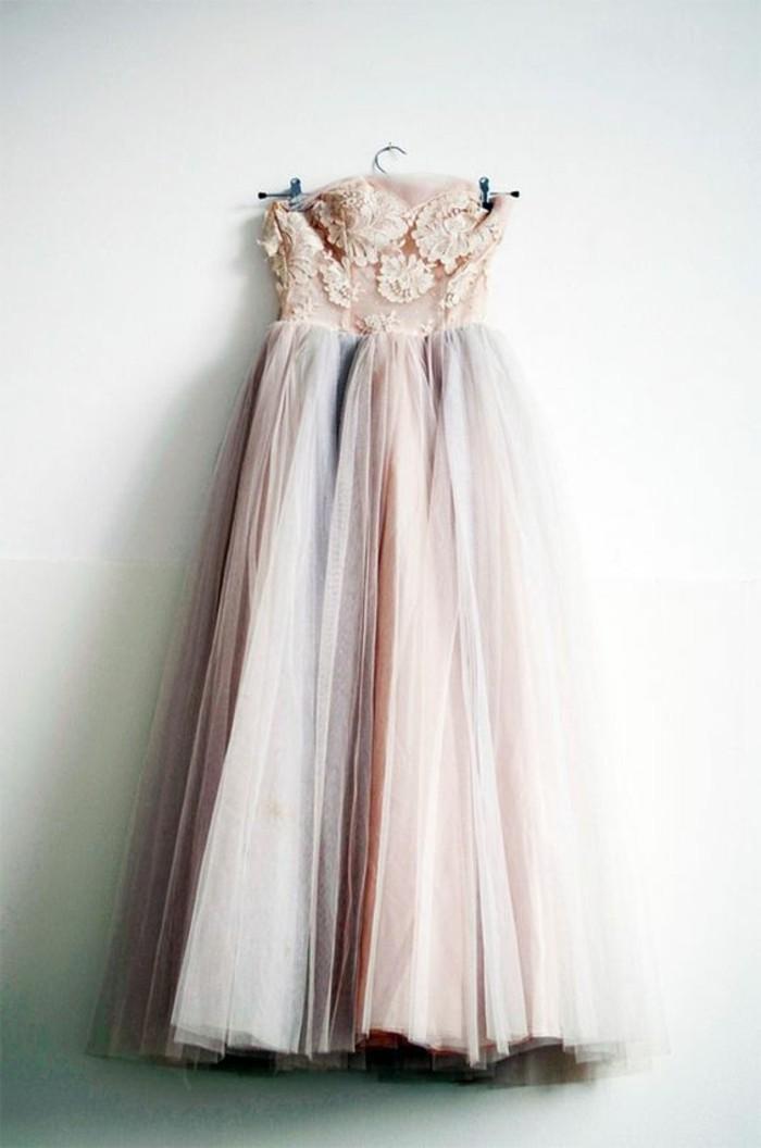 robe-de-soirée-pour-mariage-robe-plissée-en-dentelle-beige