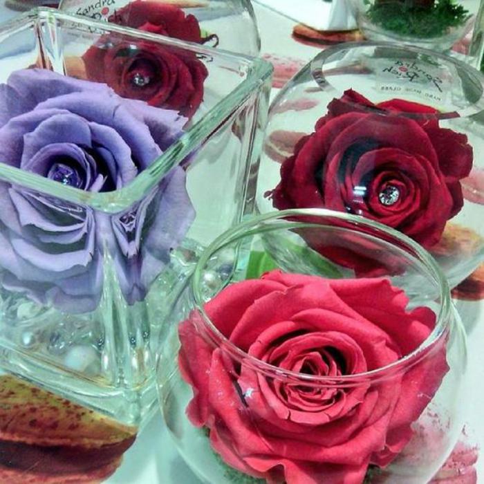 rose-stabilisée-décoration-de-table-roses-stabilisées