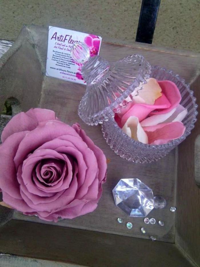 rose-stabilisée-pétales-de-rose-immortalisée