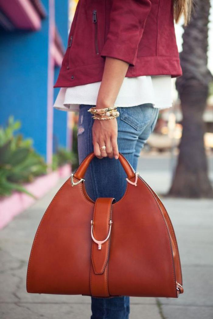 sac-camel-sac-en-forme-originale-couleur-marron