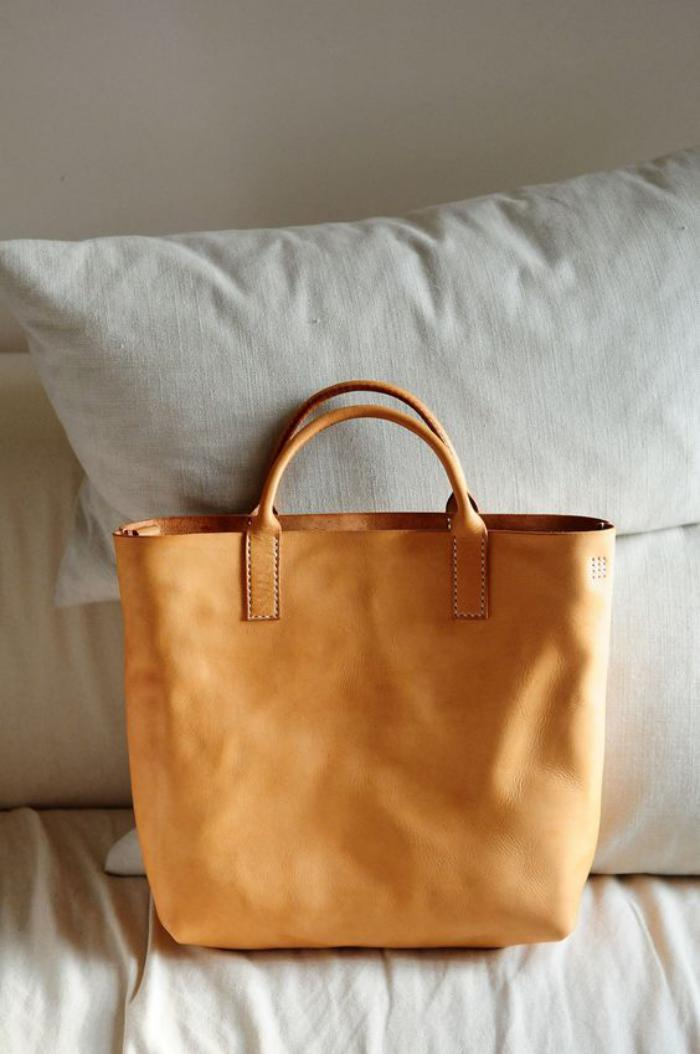 sac-camel-sac-simple-de-couleur-camel