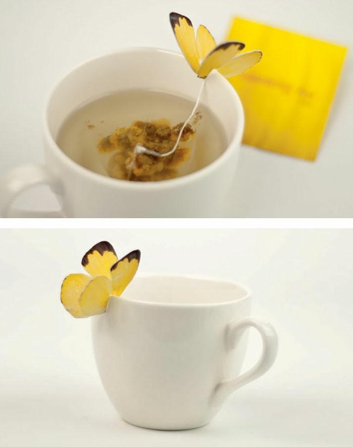 sachet-de-thé-sachet-thé-original-voir-papillon-sur-la-tasse