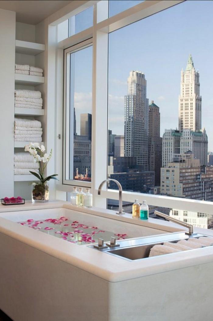 Beautiful salle de bain de luxe avec jacuzzi pictures for Salle de bain de luxe italienne