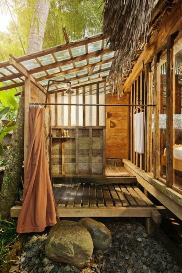 salle-de-bain-exterieur-zen-salle-de-bain-en-bois-clair
