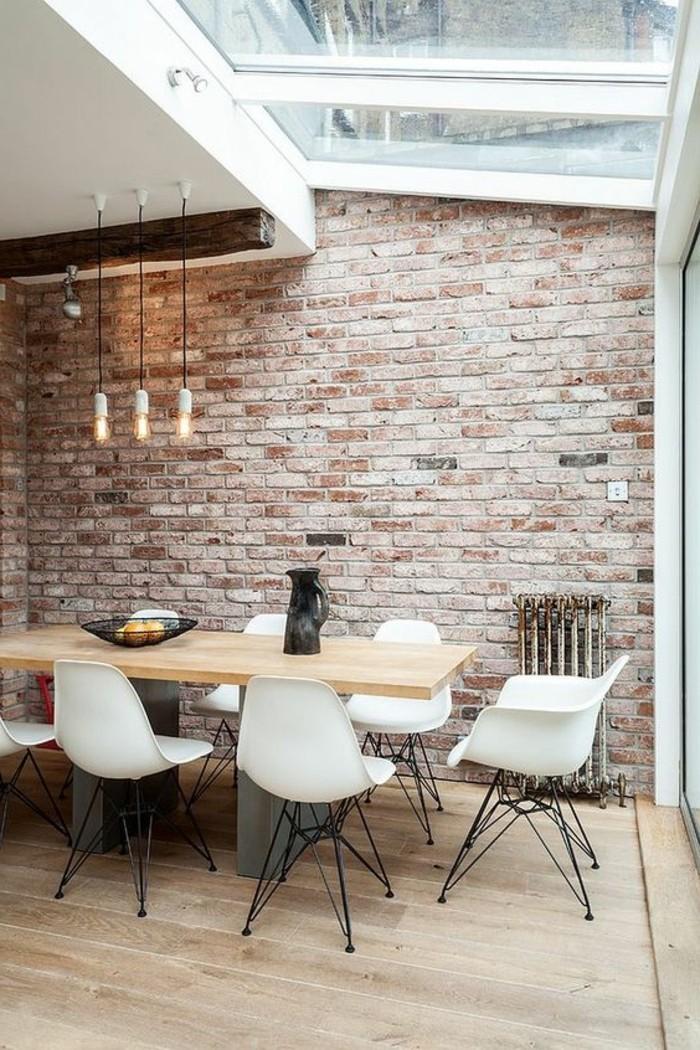 salle-de-sejour-cuisine-avec-mur-en-briques-rouges-verriere-interieure-pas-cher-meubles-de-cuisine