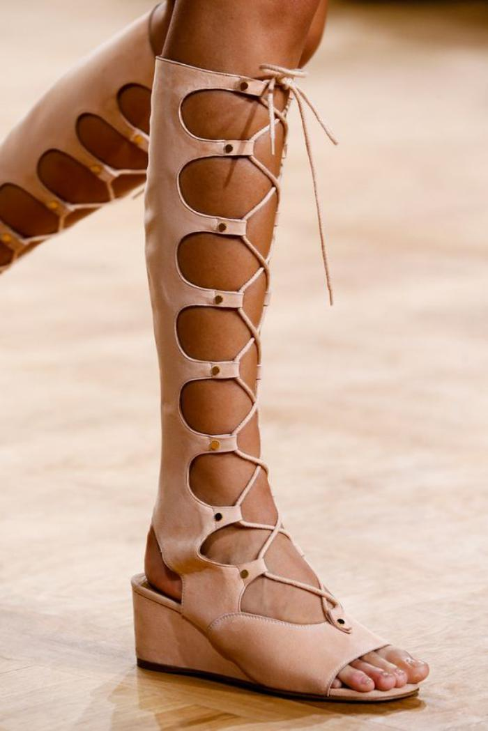 sandales-montantes-chic-rose-nude