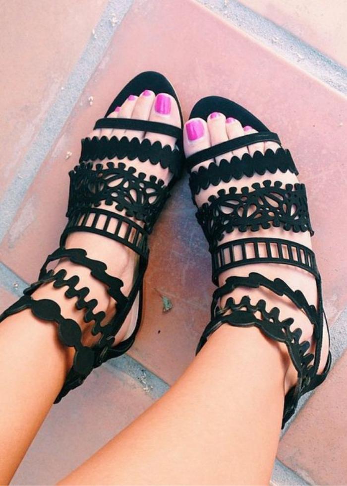 sandales-montantes-jolies-sandales-pour-les-saisons-chaudes