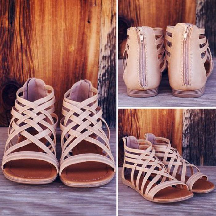 sandales-montantes-plates-couleur-rose-nude