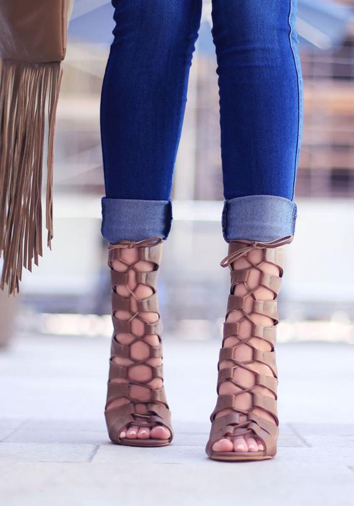 sandales-montantes-sandales-à-hauts-talons