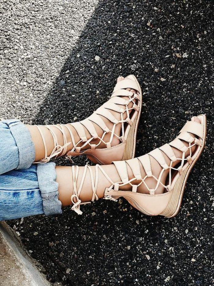 sandales-montantes-sandales-mi-hautes-montantes