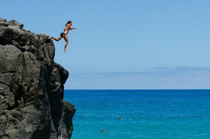 sauter-depuis-les-falaises-de-south-point-à-hawaii-50-choses-à-faire-avant-de-mourir