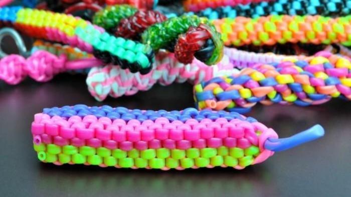 scoubidou-bracelet-comment-faire-un-scoubidou